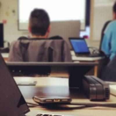 Εργάζεσαι remotely; Απέκτησε τον δικό σου χώρο εργασίας στο Office12!